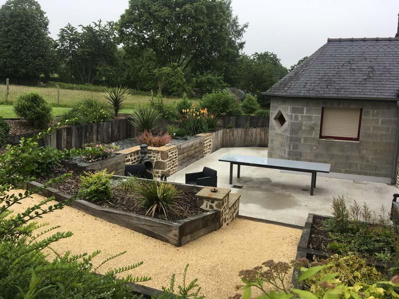 Jardin-de-campagne---retenue-de-terre